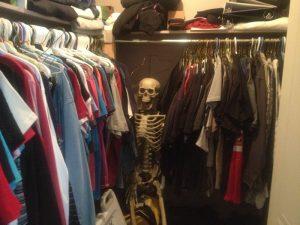 Skeleton_in_Closet_2.width-800