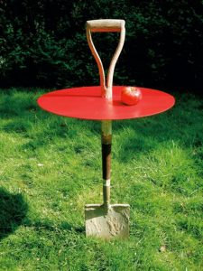 Fredrik-Paulsen-red-garden-table